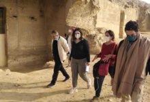 صورة منطقة بني حسن الأثرية بمحافظة المنياتستقبل وفدا من وزارة السياحة والآثار والمعهد الهولندي